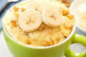Bizcocho de plátano en taza y al microondas