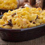 Macarrones con queso y carne al microondas