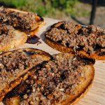 Crema de anchoas y pan tostado al microondas
