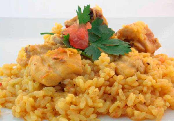 cocinar-arroz-con-pollo-en-el-microondas