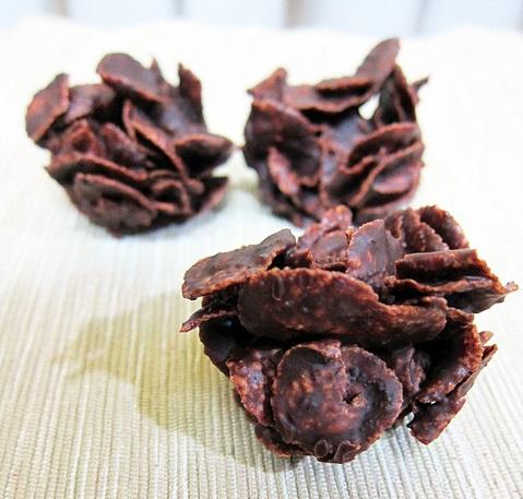 Galletas crujientes de chocolate en el microondas
