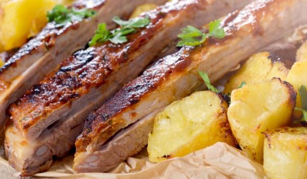 Costillas de cerdo con patatas al microondas